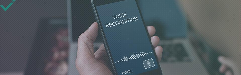 Eh bien, la première étape est de comprendre comment fonctionne la recherche vocale.