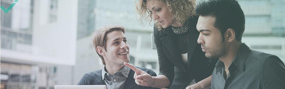 Passe Deine Aktivitäten in den sozialen Netzwerken Deiner Marketingstrategie an.