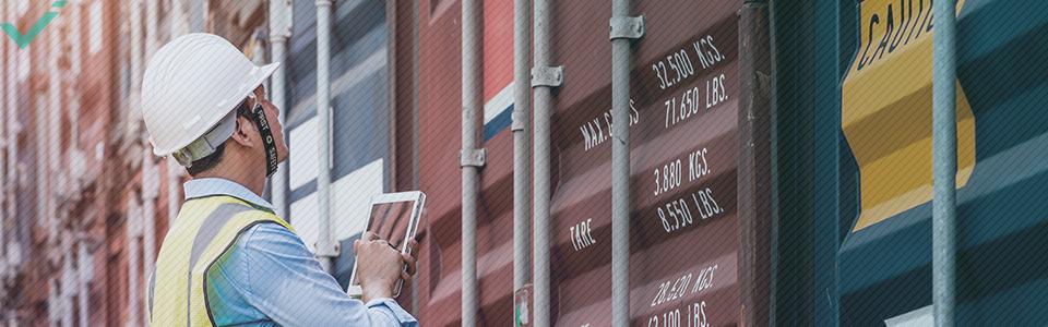 Qu'est-ce qui influence les frais de port à l'international ?